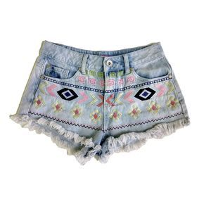 Body Central  Jean Shorts Embroidered Size 3